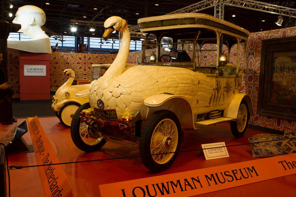 Brooke Swan Car    - 2014 Retromobile