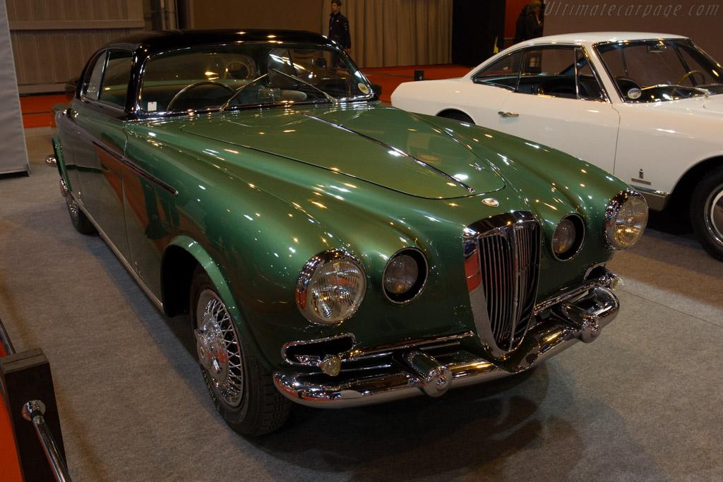 Lancia Aurelia Vignale Coupe - Chassis: B52-1072 - Entrant: Lopresto Collection  - 2015 Retromobile