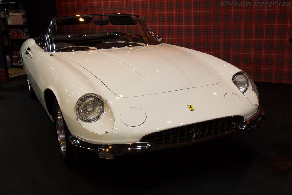 Ferrari 365 California - Chassis: 09849 - Entrant: Fiskens  - 2016 Retromobile