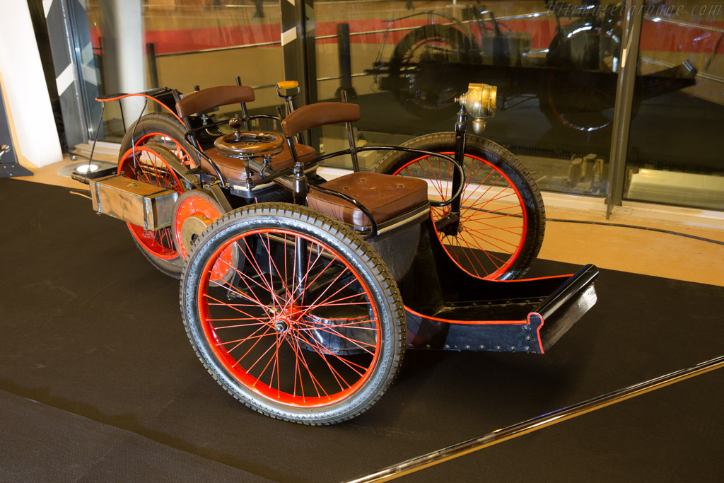 Leon Bollee Tricycle  - Entrant: ACO  - 2016 Retromobile