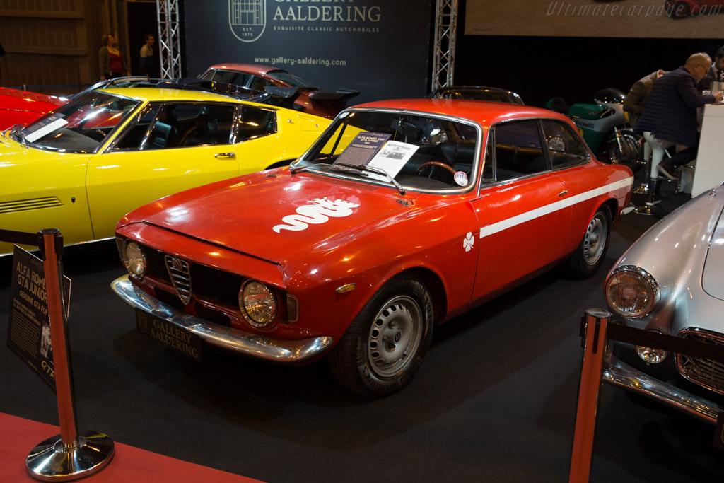 Alfa Romeo Giulia 1300 GTA - Chassis: AR775774 - Entrant: Gallery Aaldering  - 2017 Retromobile