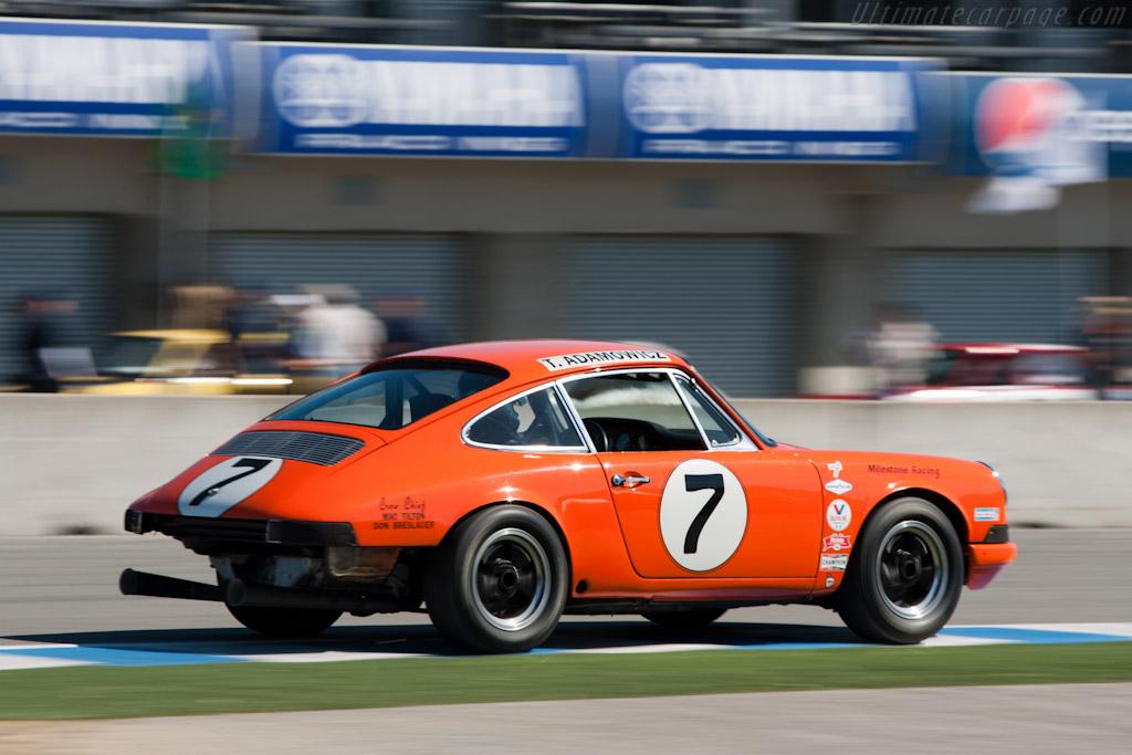 Porsche 911    - 2010 Monterey Motorsports Reunion