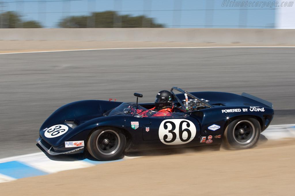 Lola T70 Mk IIIB - Chassis: SL75/122   - 2011 Monterey Motorsports Reunion