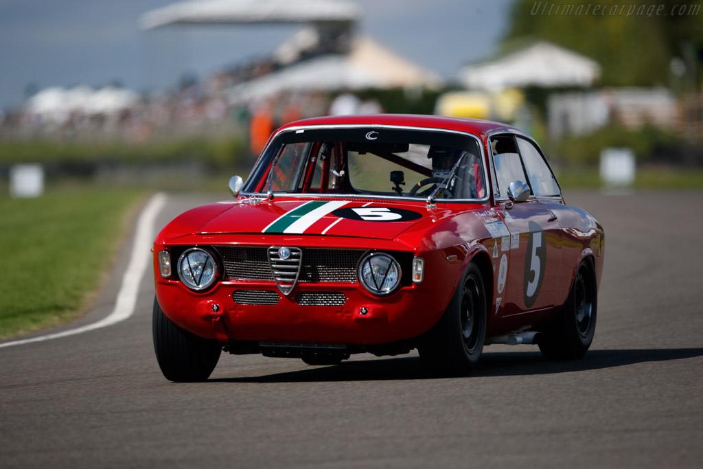 Alfa Romeo Giulia GTA - Chassis: AR613073 - Entrant: Conrad Ulrich - Driver: André Lotterer  - 2018 Goodwood Revival