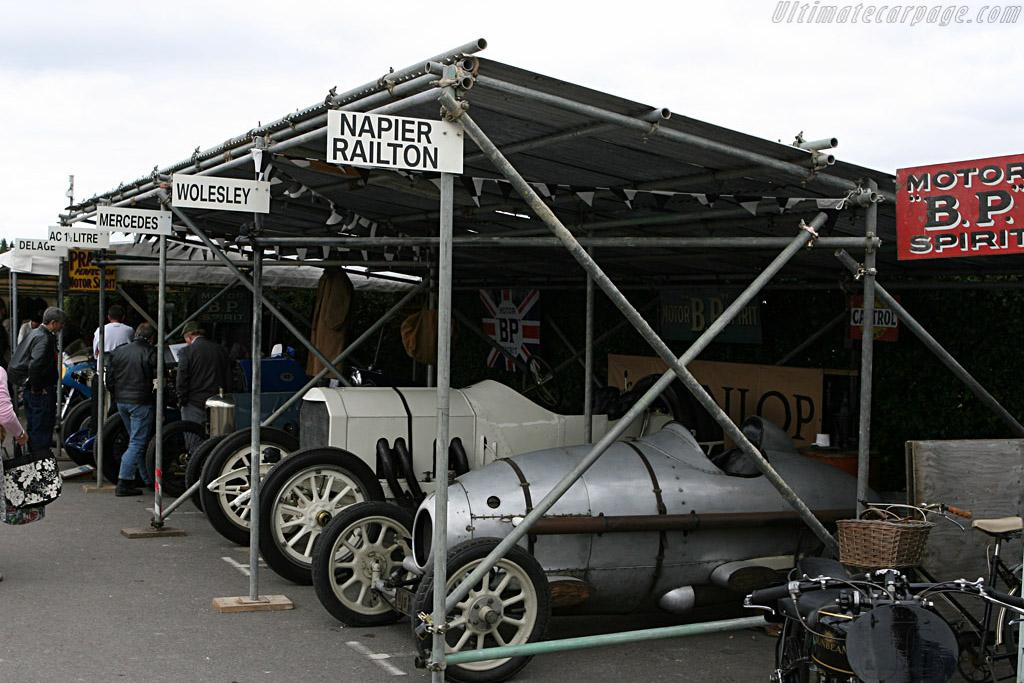 Brooklands pit    - 2007 Goodwood Revival