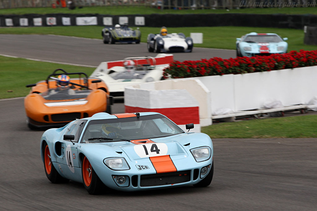 Ford GT40 - Chassis: GT40P/1084   - 2007 Goodwood Revival