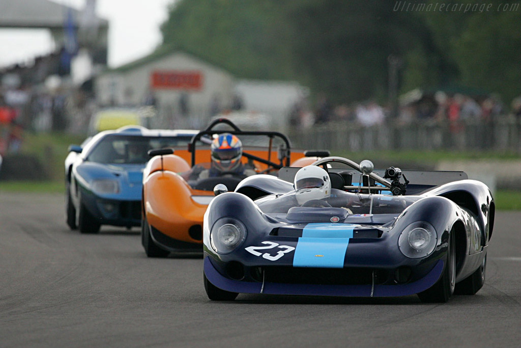Lola T70 Spyder Chevrolet (Chassis SL70/2 - 2007 Goodwood RevivalRace 7: Whitsun Trophy (Sports-racing prototypes of a type that raced between 1963 and 1966)) High Resolution Image
