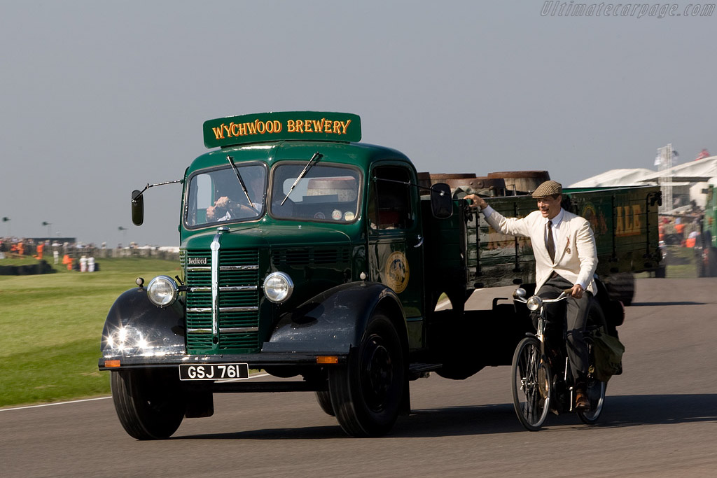 Bedford O-series Beer Wagon    - 2008 Goodwood Revival