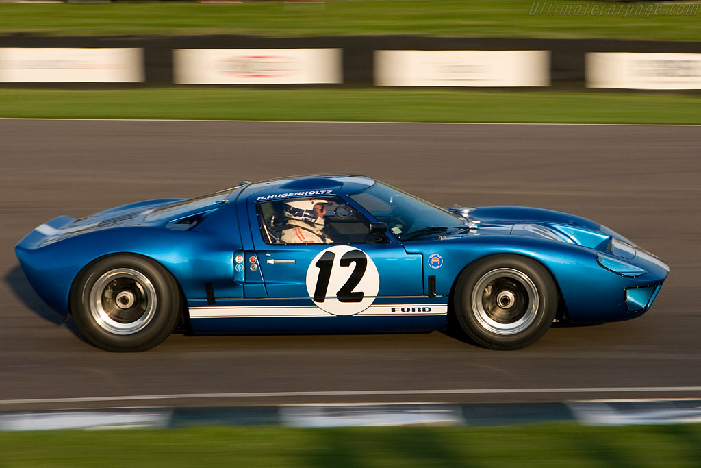 Ford GT40 - Chassis: GT40P/1062 - Driver: Hans Hugenholtz  - 2008 Goodwood Revival
