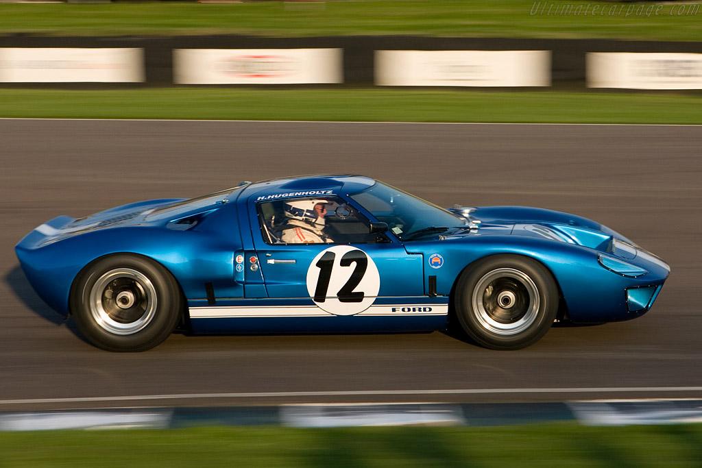 Ford GT40 - Chassis: GT40P/1062 - Driver: Hans Hugenholtz  - 2008 Goodwood Revival