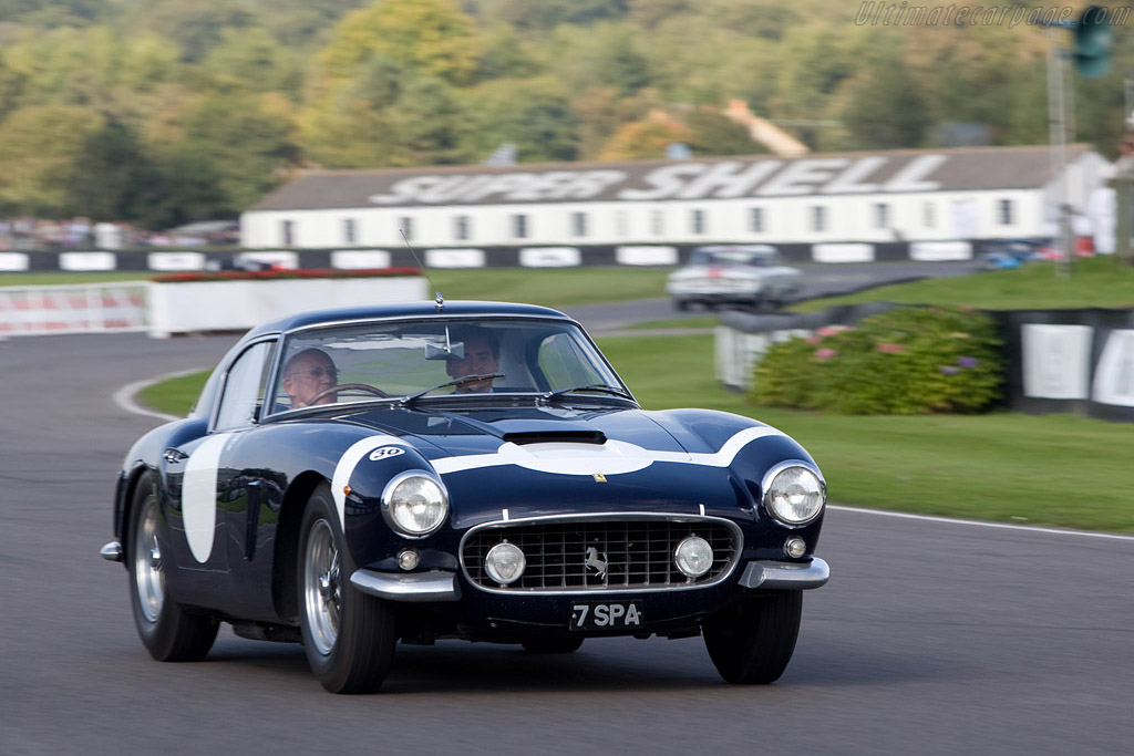 Sir Stirling in the 1960 TT winning Ferrari - Chassis: 2119GT - Driver: Sir Stirling Moss  - 2008 Goodwood Revival
