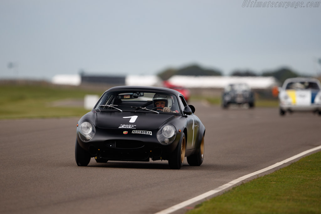 Abarth Simca 2000 GT - Chassis: 136.0056 - Entrant / Driver Federico Buratti - 2019 Goodwood Revival