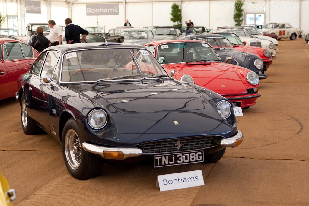 Ferrari 365 GT 2+2    - 2009 Goodwood Revival