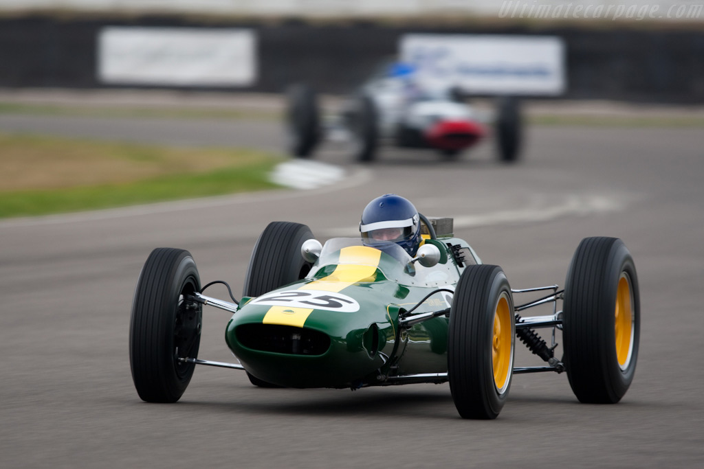 Lotus 25 - Chassis: R3   - 2009 Goodwood Revival