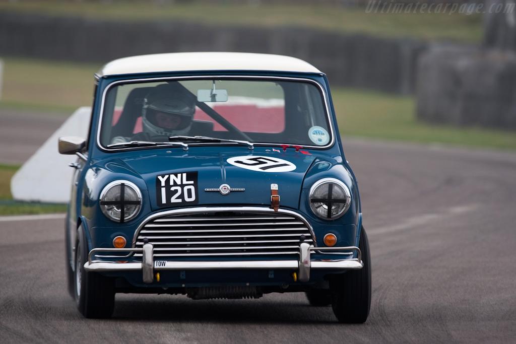 Saloon Car Race
