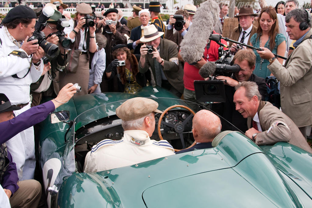 Sir Stirling swamped by journalists    - 2009 Goodwood Revival