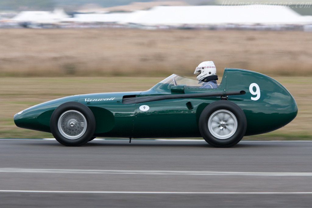 Vanwall - Chassis: VW11 - Driver: Brian Redman  - 2009 Goodwood Revival