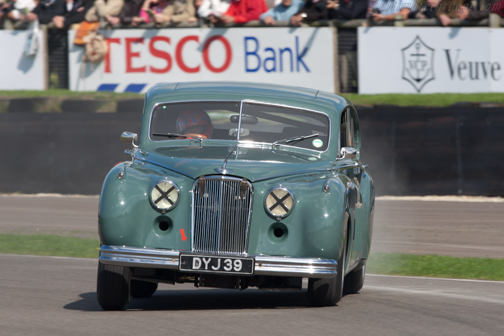 Jaguar MkVII (Tiff Needell)    - 2010 Goodwood Revival