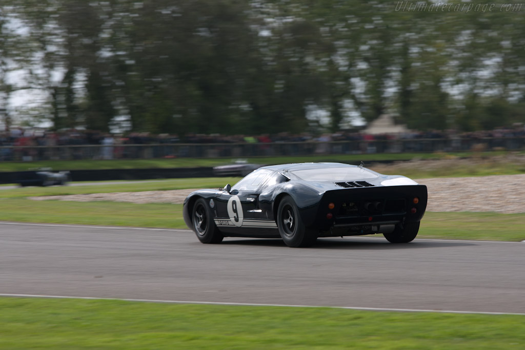 Ford GT40 - Chassis: GT40P/1019   - 2011 Goodwood Revival
