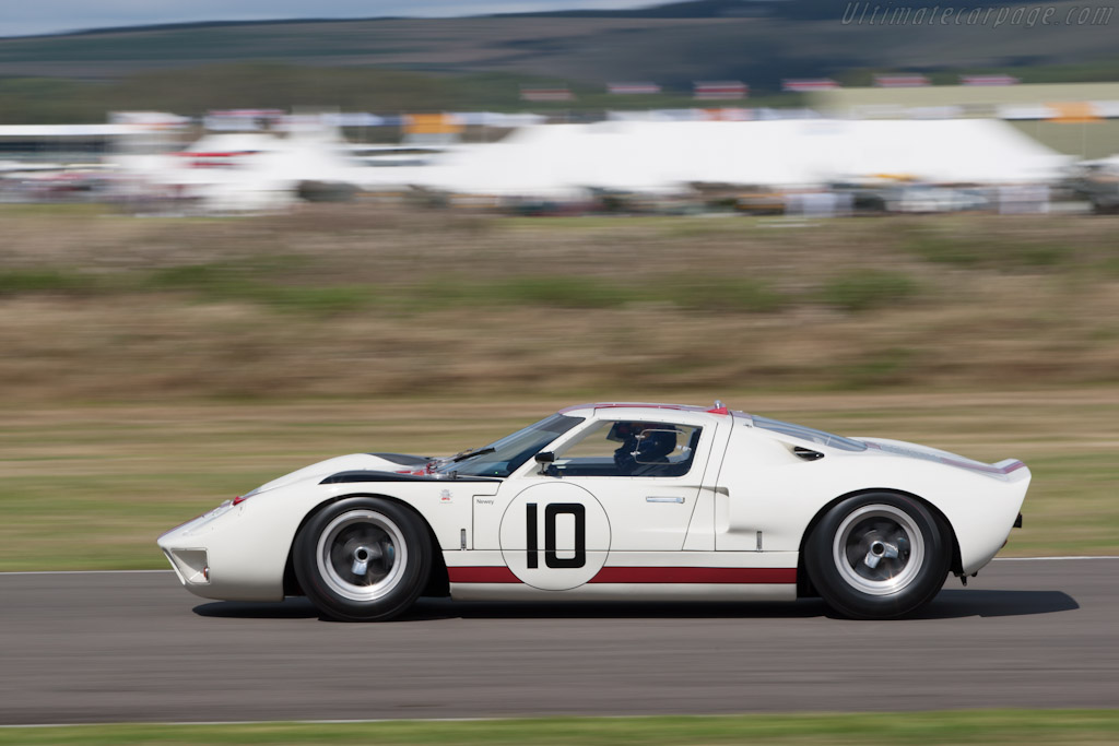 Ford GT40 - Chassis: GT40P/1010   - 2012 Goodwood Revival