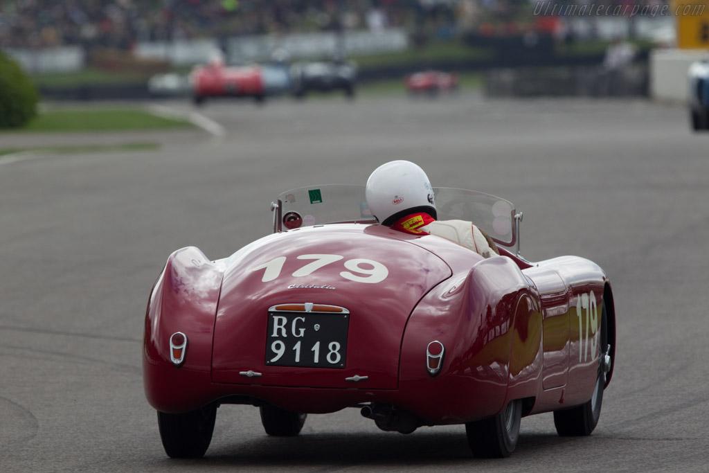 Cisitalia 202 SMM - Chassis: 021 SMM - Driver: Ian Dalglish  - 2013 Goodwood Revival