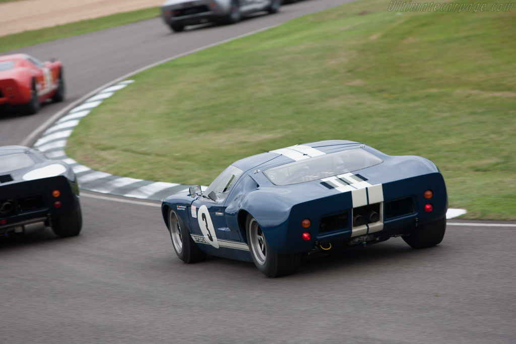 Ford GT40 - Chassis: GT40P/1024 - Entrant: Jose Albequerque - Driver: Jose Albequerque / David Franklin  - 2013 Goodwood Revival