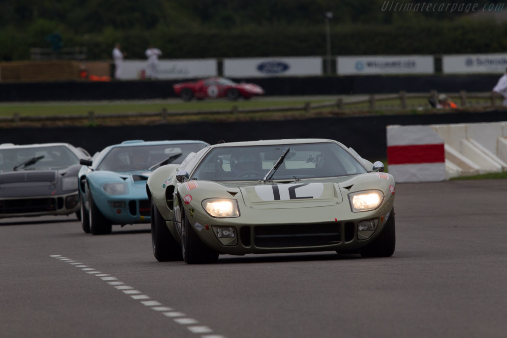 Ford GT40 - Chassis: GT40P/1078 - Driver: Claude Nahum  - 2013 Goodwood Revival