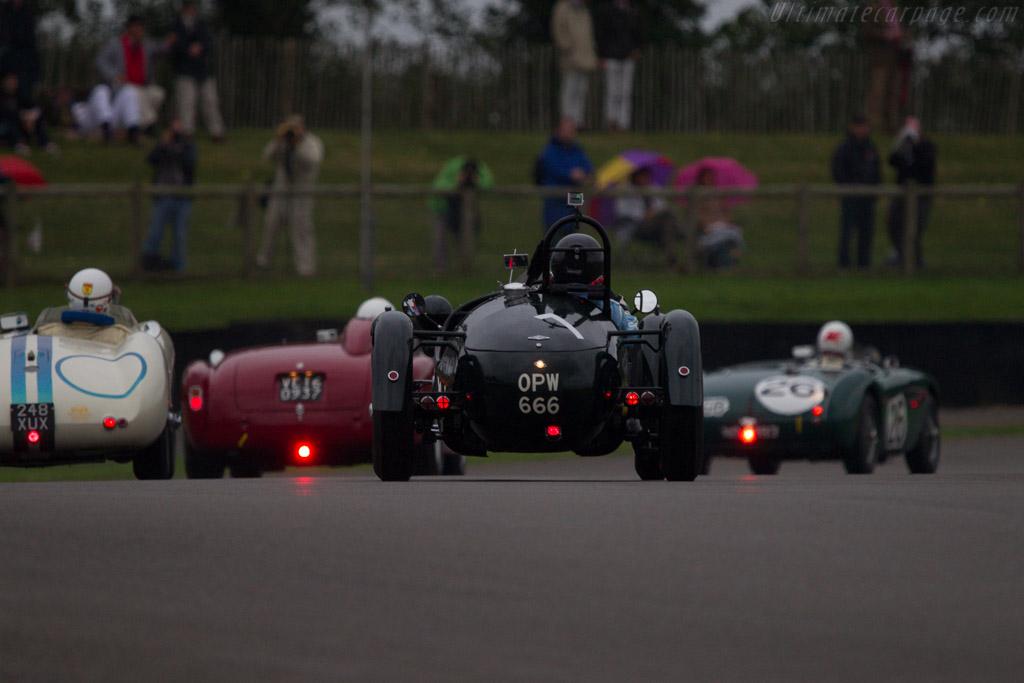 Frazer Nash Le Mans Replica - Chassis: 421/200/172 - Entrant: John Breslow - Driver: John Breslow / Najeeb Khan  - 2013 Goodwood Revival