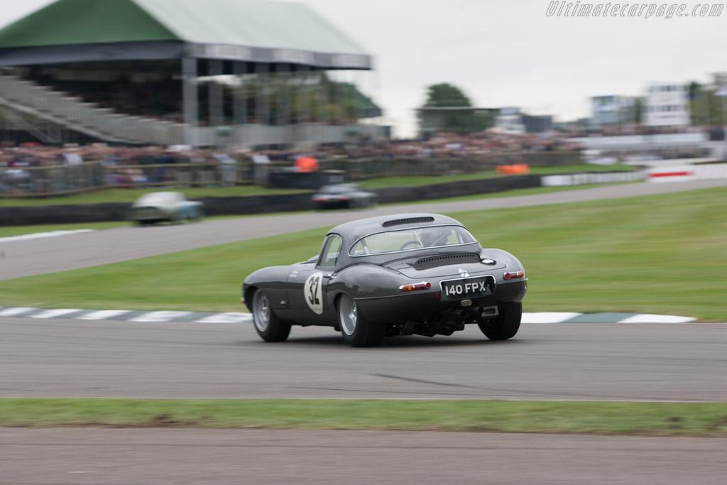 Jaguar E-Type - Chassis: 850014 - Driver: Tom Kristensen  - 2013 Goodwood Revival