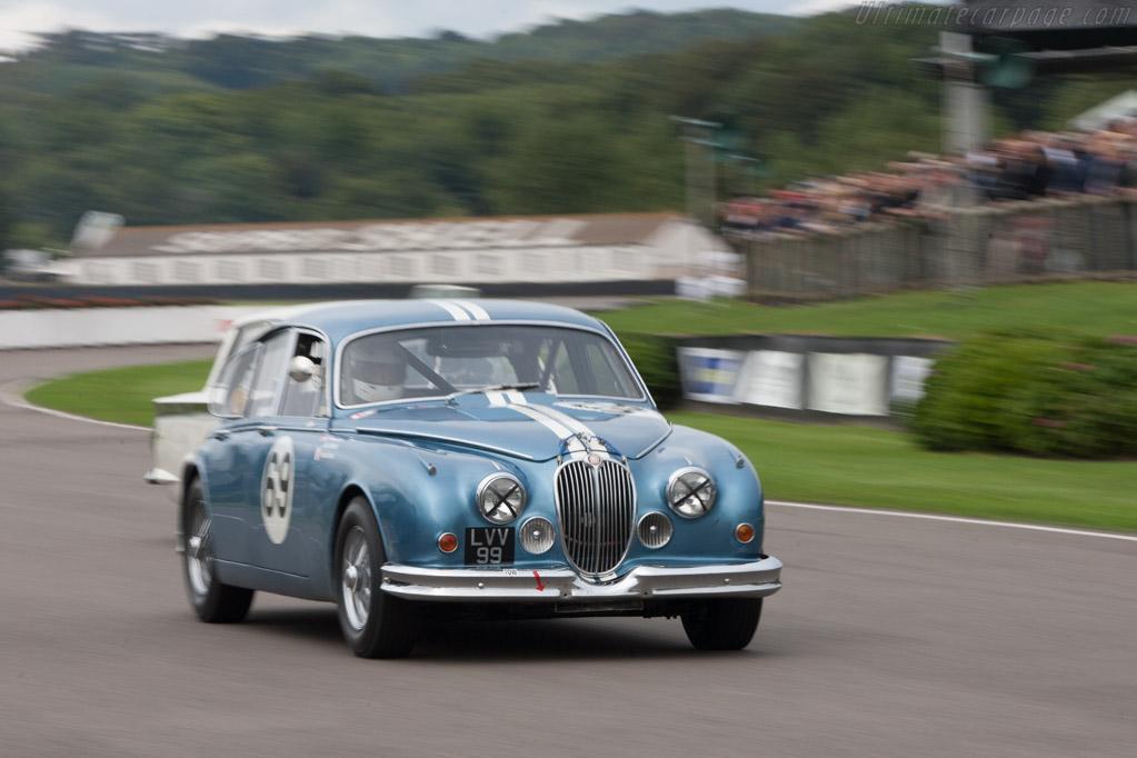 Jaguar Mk2  - Driver: Peter Burton  - 2013 Goodwood Revival