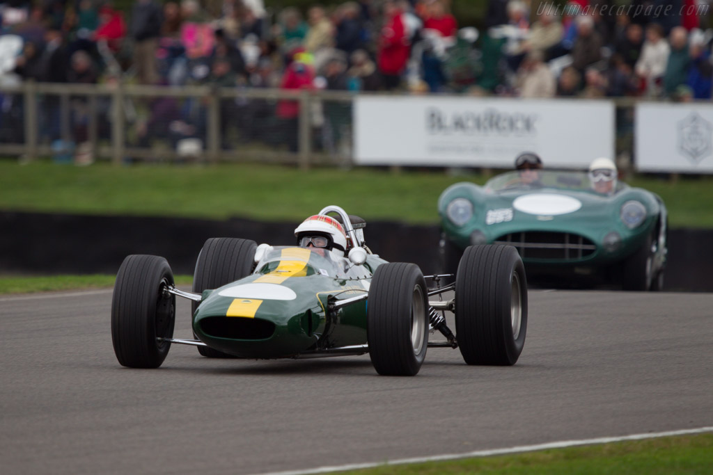 Lotus 33 Climax - Chassis: R10 - Driver: Jackie Stewart  - 2013 Goodwood Revival