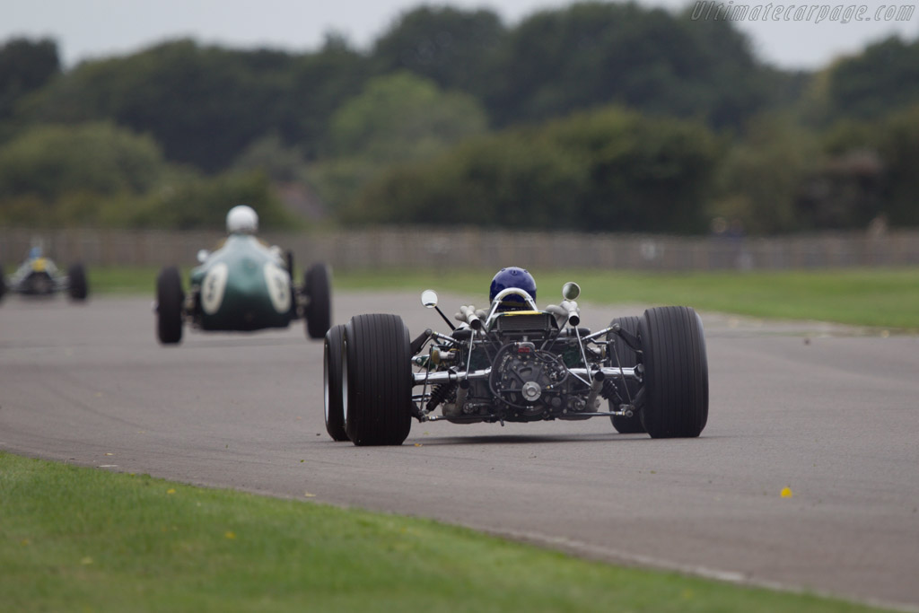 Lotus 43 BRM - Chassis: 43/1 - Driver: Andy Middlehurst  - 2013 Goodwood Revival