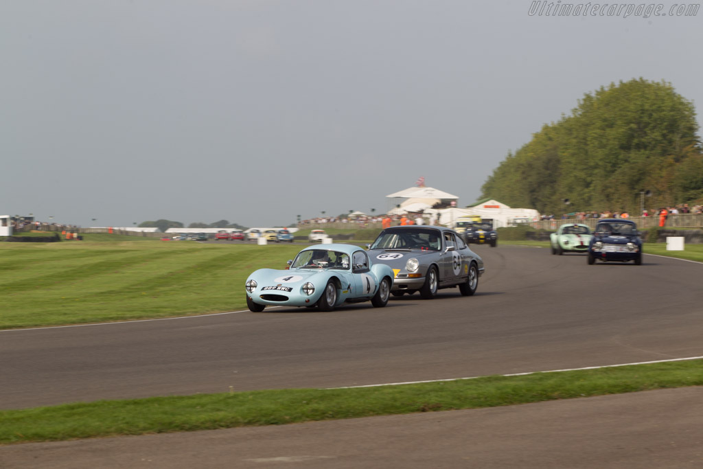 Ginetta G4 Ford - Chassis: 4/141 - Entrant: Paul Fox - Driver: Lee Mumford  - 2014 Goodwood Revival