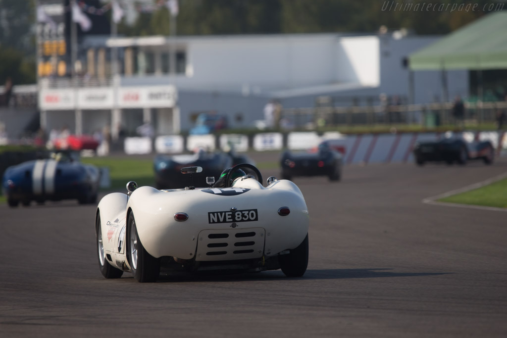 Lister Knobbly Chevrolet - Chassis: BHL 110 - Driver: Roberto Gioranelli / Chris Snowden  - 2014 Goodwood Revival
