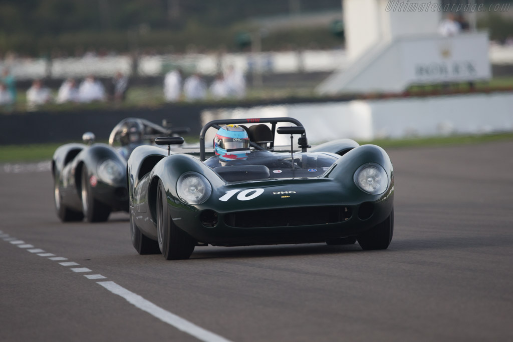 Lola T70 Spyder - Chassis: SL70/11 - Driver: David Hart  - 2014 Goodwood Revival