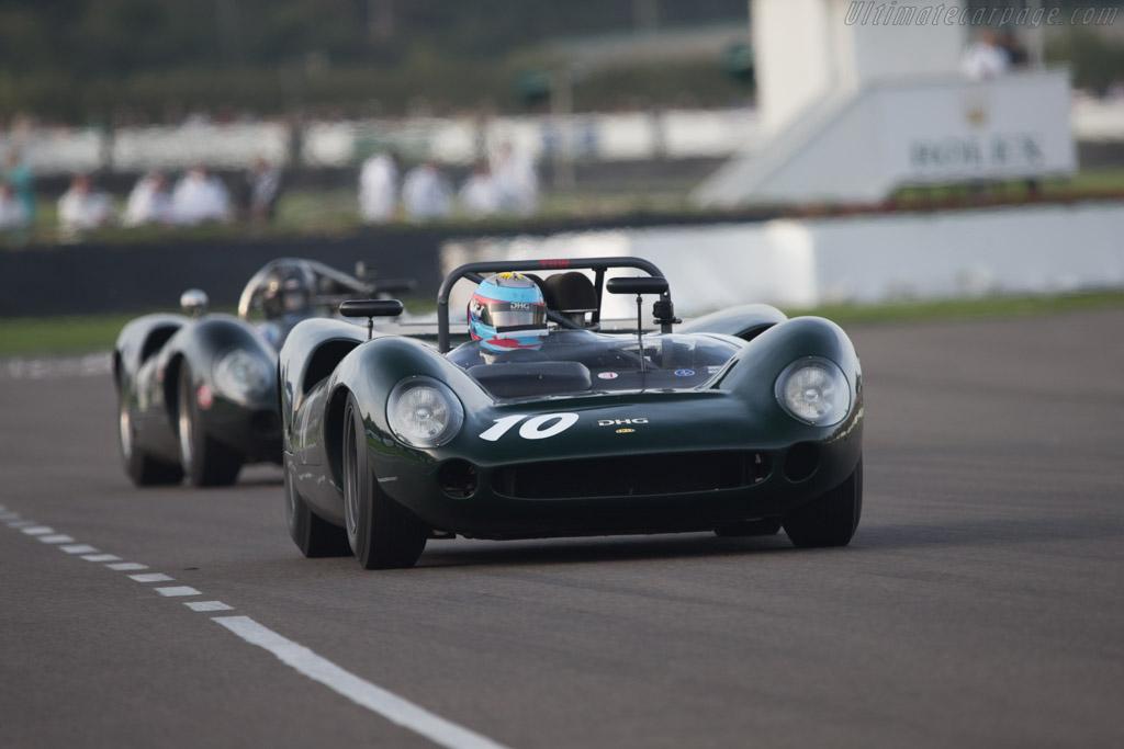 Lola T70 Spyder - Chassis: SL70/11 - Driver: David Hart  - 2014 Goodwood Revival