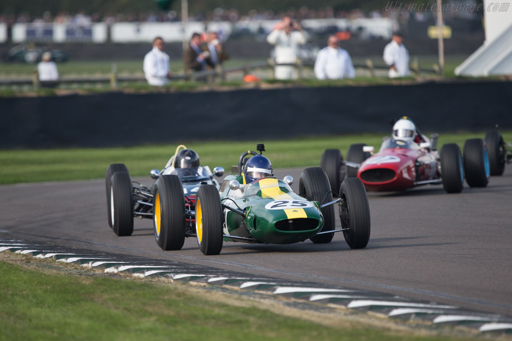 Lotus 25 Climax - Chassis: R3 - Entrant: Classic Team Lotus - Driver: Andy Middlehurst  - 2014 Goodwood Revival