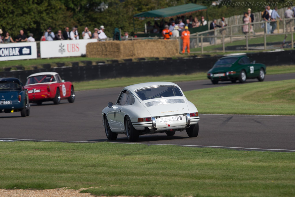 Porsche 911 - Chassis: 305515 - Entrant: Roger Penfold - Driver: Bill Wykeham  - 2014 Goodwood Revival