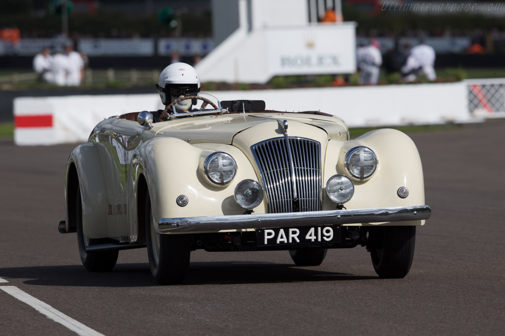 AC Buckland  - Driver: Steve Gray  - 2015 Goodwood Revival