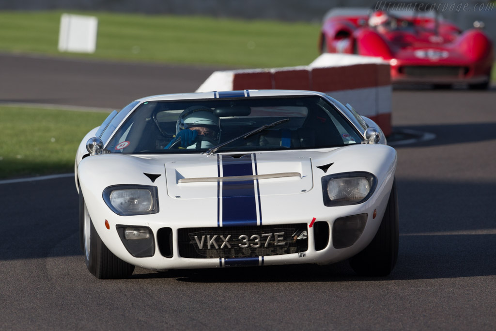 Ford GT40 - Chassis: GT40P/1071 - Driver: Chris Wood  - 2015 Goodwood Revival