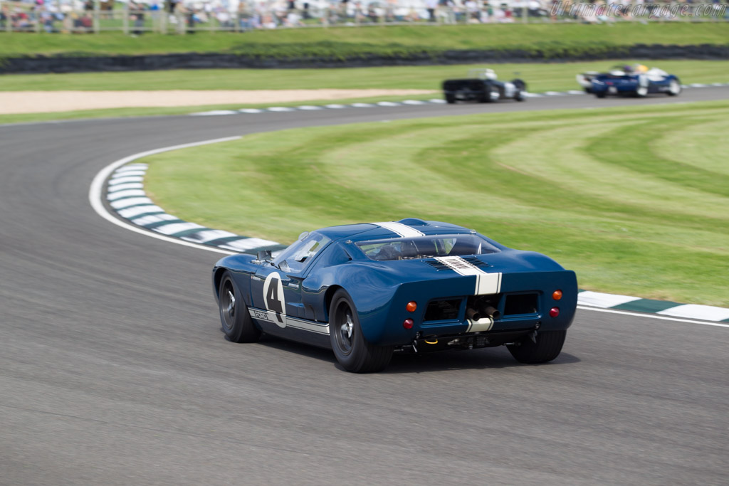 Ford GT40 - Chassis: GT40P/1055 - Driver: Gavin Henderson  - 2015 Goodwood Revival