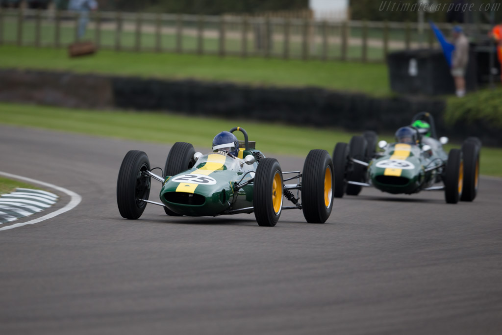 Lotus 25 Climax - Chassis: R3 - Entrant: Classic Team Lotus - Driver: Andy Middlehurst  - 2015 Goodwood Revival