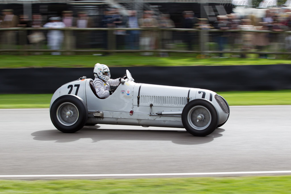 Maserati 6CM - Chassis: 1556 - Entrant: Sean Danaher - Driver: Calum Lockie  - 2015 Goodwood Revival