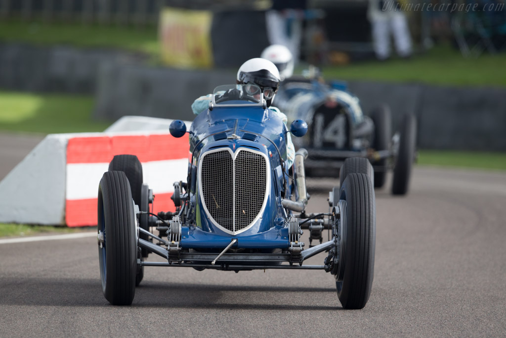Maserati 8CM - Chassis: 3011 - Entrant: Christopher Jacques - Driver: Robert Newall  - 2015 Goodwood Revival