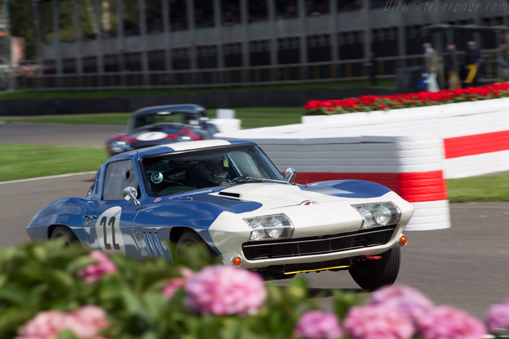 Chevrolet Corvette Stingray  - Entrant: Andy Dee-Crowne - Driver: Sam Thomas / Colin Turkington  - 2017 Goodwood Revival