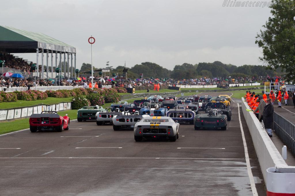 Ford GT40  - Entrant: Philip Walker - Driver: Mike Jordan  - 2017 Goodwood Revival