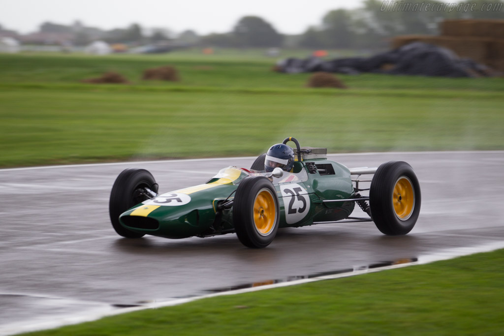 Lotus 25 Climax - Chassis: R3 - Entrant: Classic Team Lotus - Driver: Andy Middlehurst  - 2017 Goodwood Revival