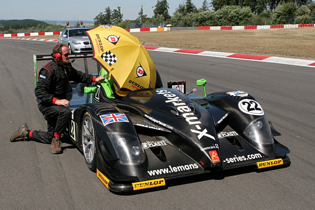 It's lonely at the back of the grid - Chassis: SR9001 - Entrant: Rollcentre Racing  - 2006 Le Mans Series Nurburgring 1000 km