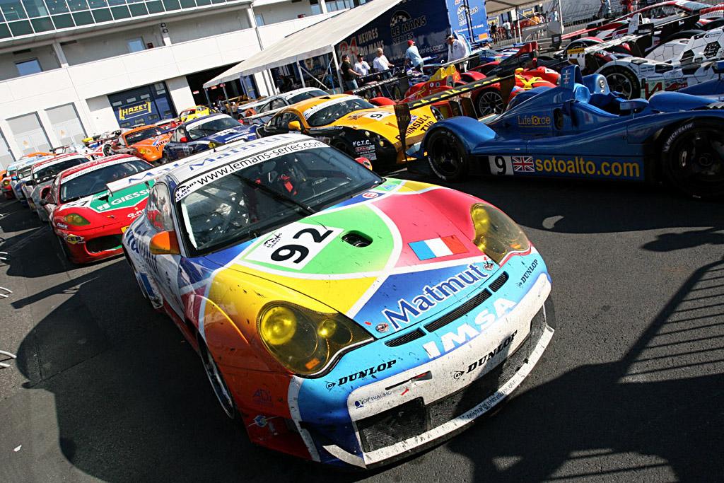 Parc Ferme - Chassis: WP0ZZZ99Z4S693088 - Entrant: IMSA Performance Matmut  - 2006 Le Mans Series Nurburgring 1000 km