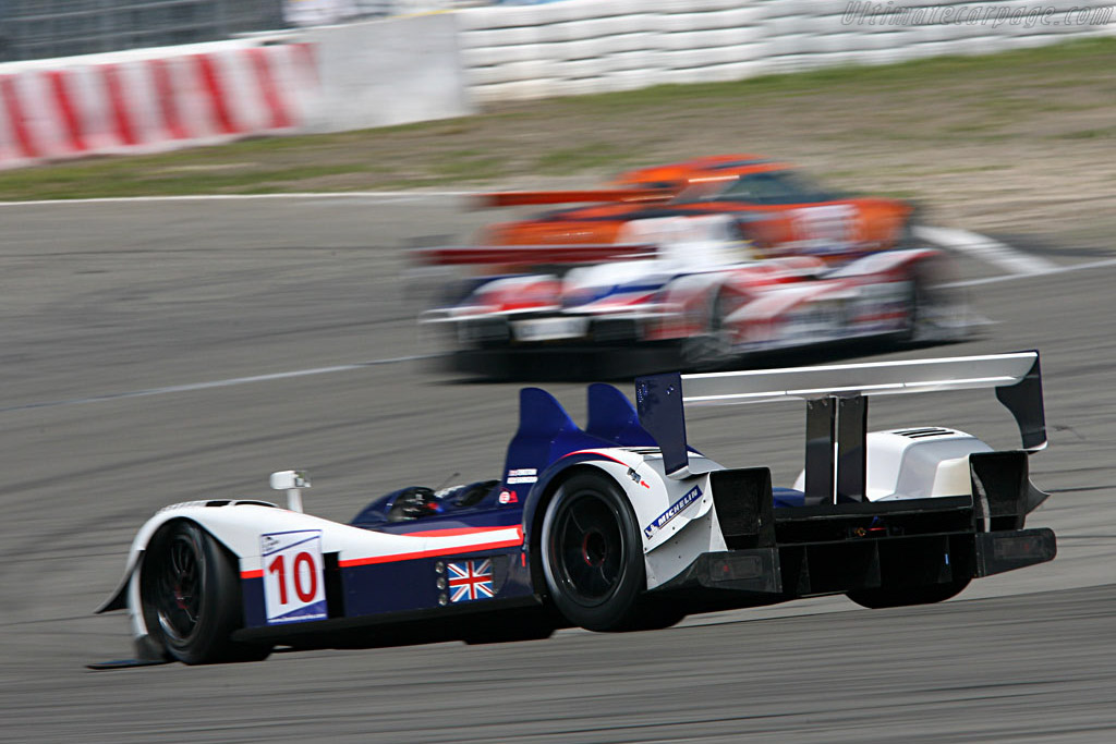 A somewhat delayed finish for the Zytek - Chassis: 07S-02 - Entrant: Arena Motorsport  - 2007 Le Mans Series Nurburgring 1000 km
